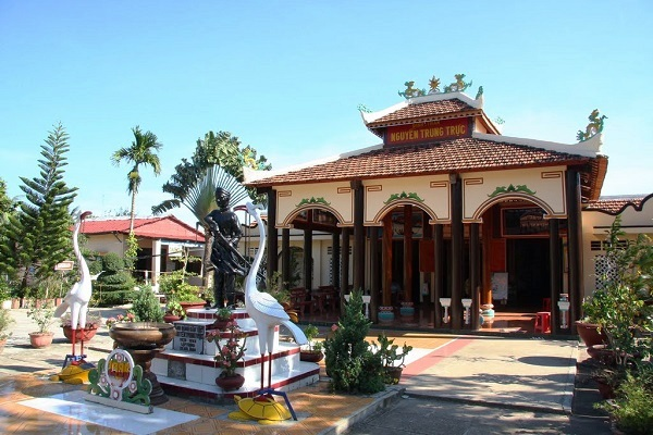 Đền Nguyễn Trung Trực