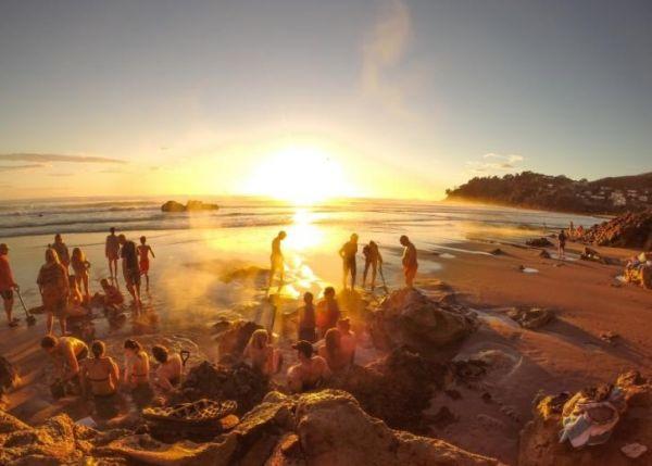 Bãi biển Hot Water Beach