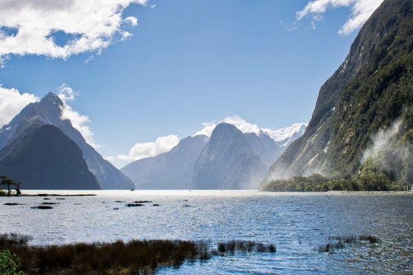 Vé máy bay đi New Zealand giá rẻ chỉ từ 670 USD/chiều