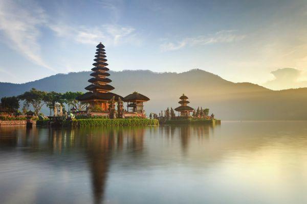 Vé máy bay đi Indonesia giá rẻ chỉ từ 28 USD/chiều