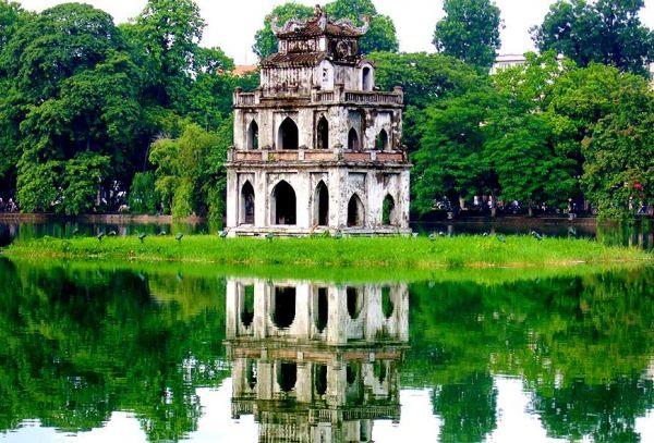 Vé máy bay đi Hà Nội bao nhiêu tiền?